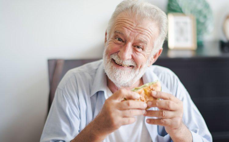 Come indurre l'anziano ad avere più appetito?